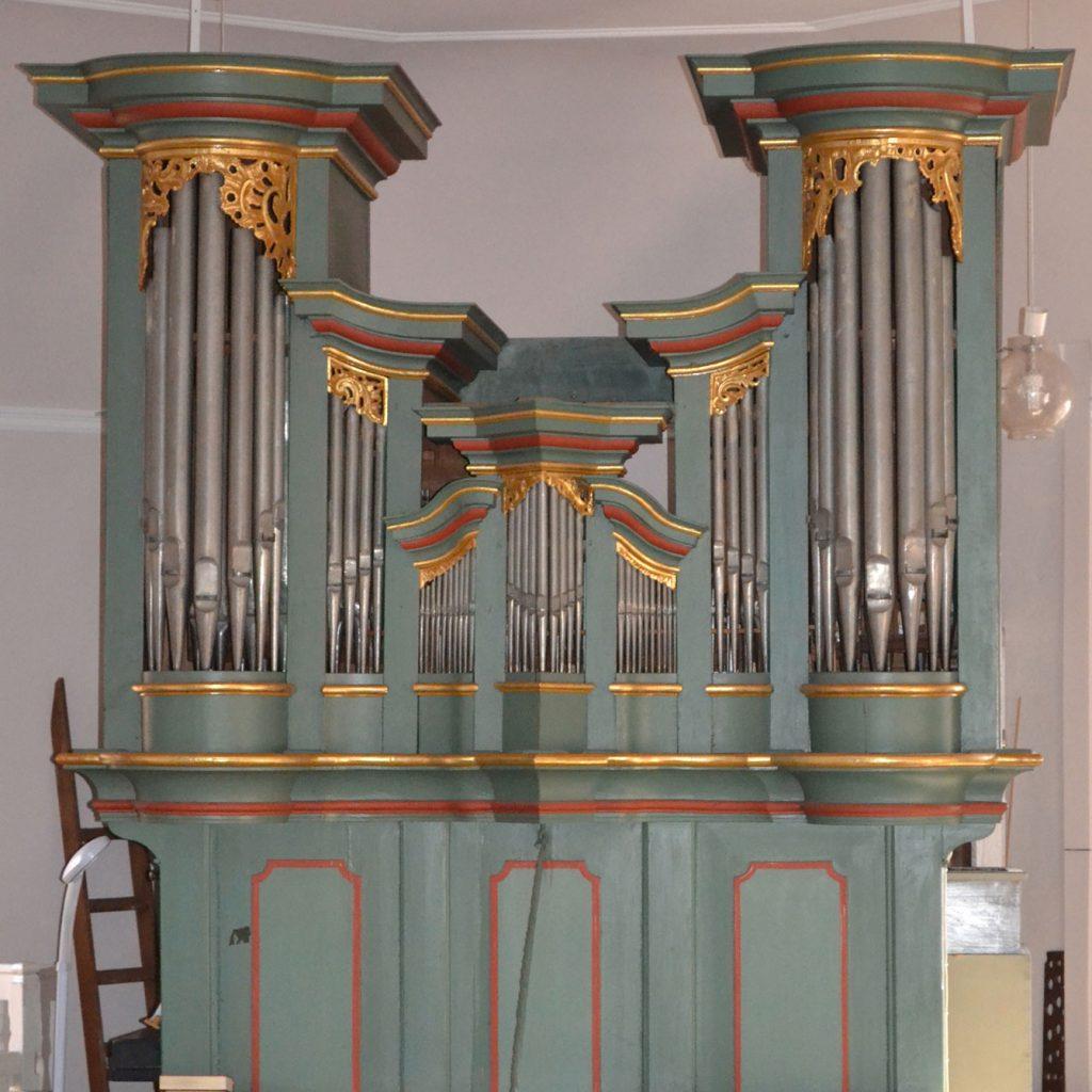 Die barocke Orgel in der evangelischen Kirche in Messel.